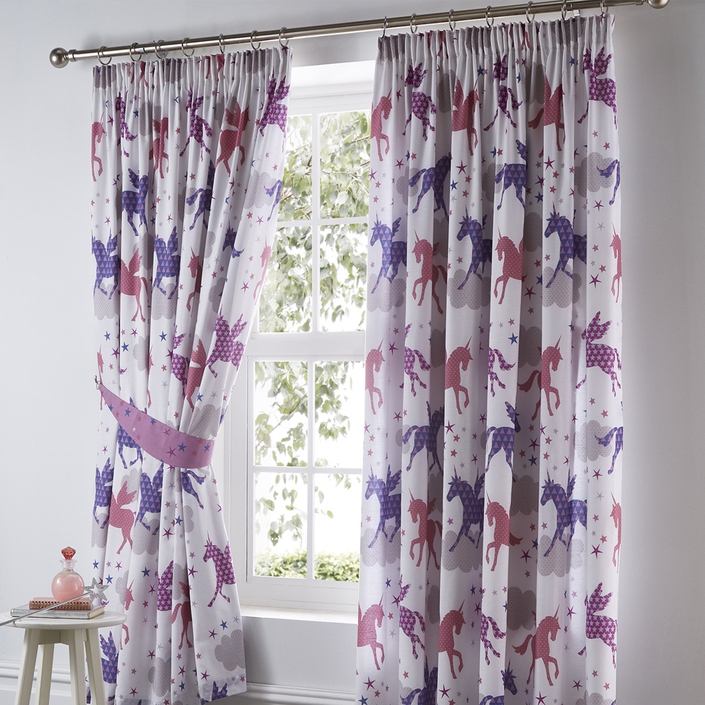 4-durable-unicorn-designed-curtains-for-any-room